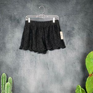 Free People Shorts - CLEARANCE 🆕Free People Black Lace Shorts S